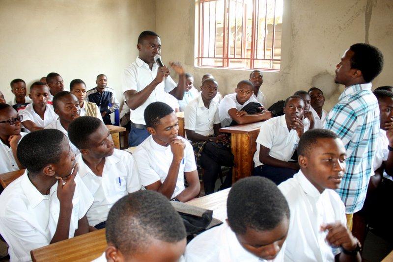 Schüler in Goma dürfen endlich einmal ihre Meinung sagen. Foto: Tayna