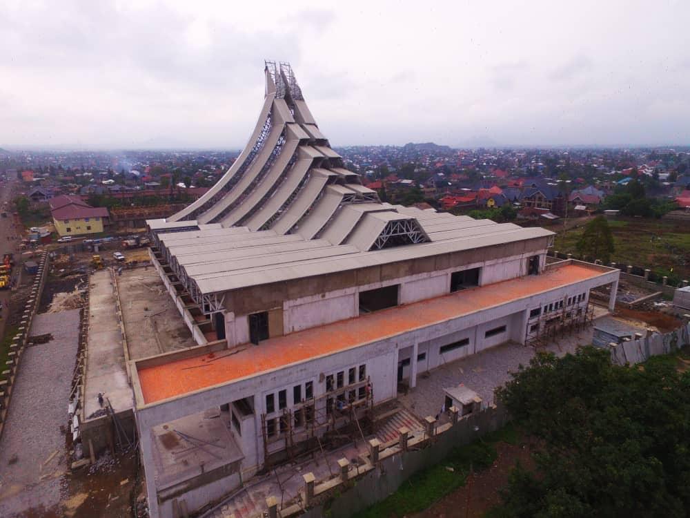La nouvelle cathédrale sème des discordes au sein de l'église catholique